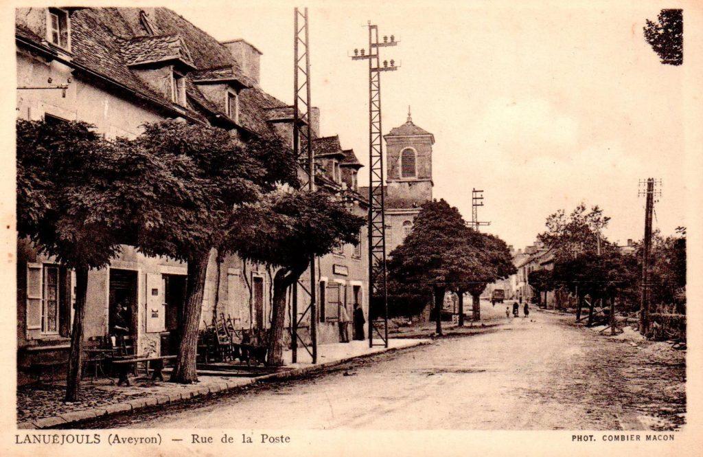 lanuejouls--rue-de-la-poste